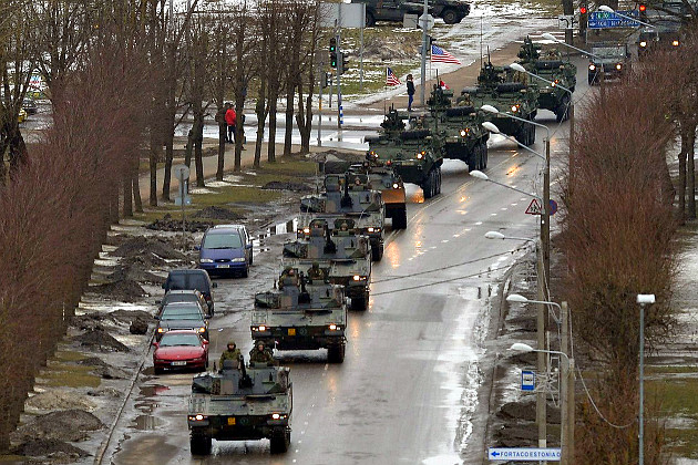 02_usa_and_nato_parade_in_estonian_narva.jpg