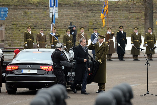 08_usa_and_nato_parade_in_estonian_narva.jpg
