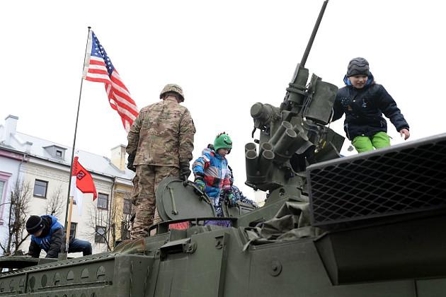 20_usa_and_nato_parade_in_estonian_narva.jpg