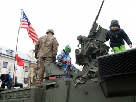 20_usa_and_nato_parade_in_estonian_narva.jpg