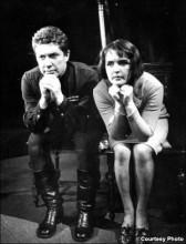"""Ада Роговцева и Альфред Шестопалов в пьесе """"Варшавская мелодия"""". 1968 год"""