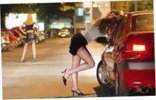 При штурме притона с проститутками
