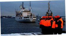 Развернуть военно-морскую группировку