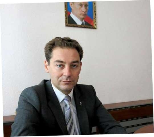 то ли Лукичев, то ли Щепетков