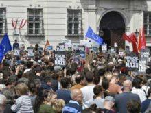 В Австрии начались протесты